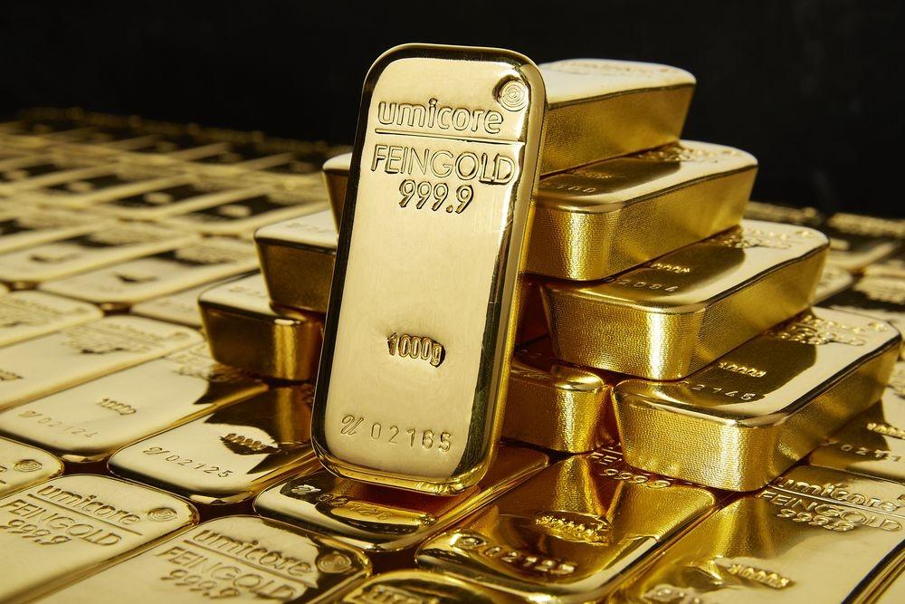 Cena zlata blizu 6-letnega vrha